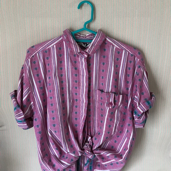 b93df1760 Pastel Striped 80s Vintage Style Button Up Shirt. M_5adbd77b45b30c2404c0e838
